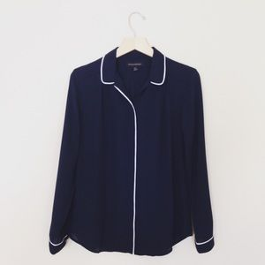 nwt br navy button blouse with white trim piping